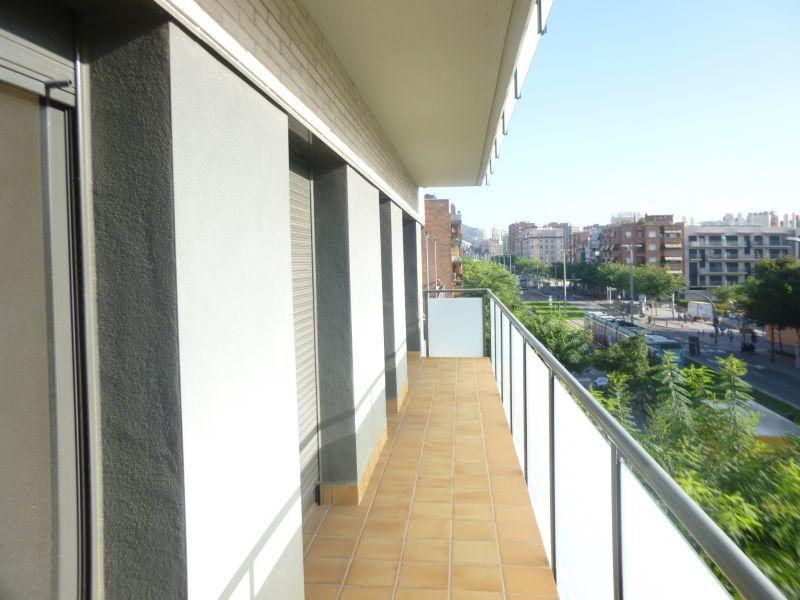Pis en venda: Cornellà de Llobregat – Crta.d' Esplugues / Josep Feliu i Codina
