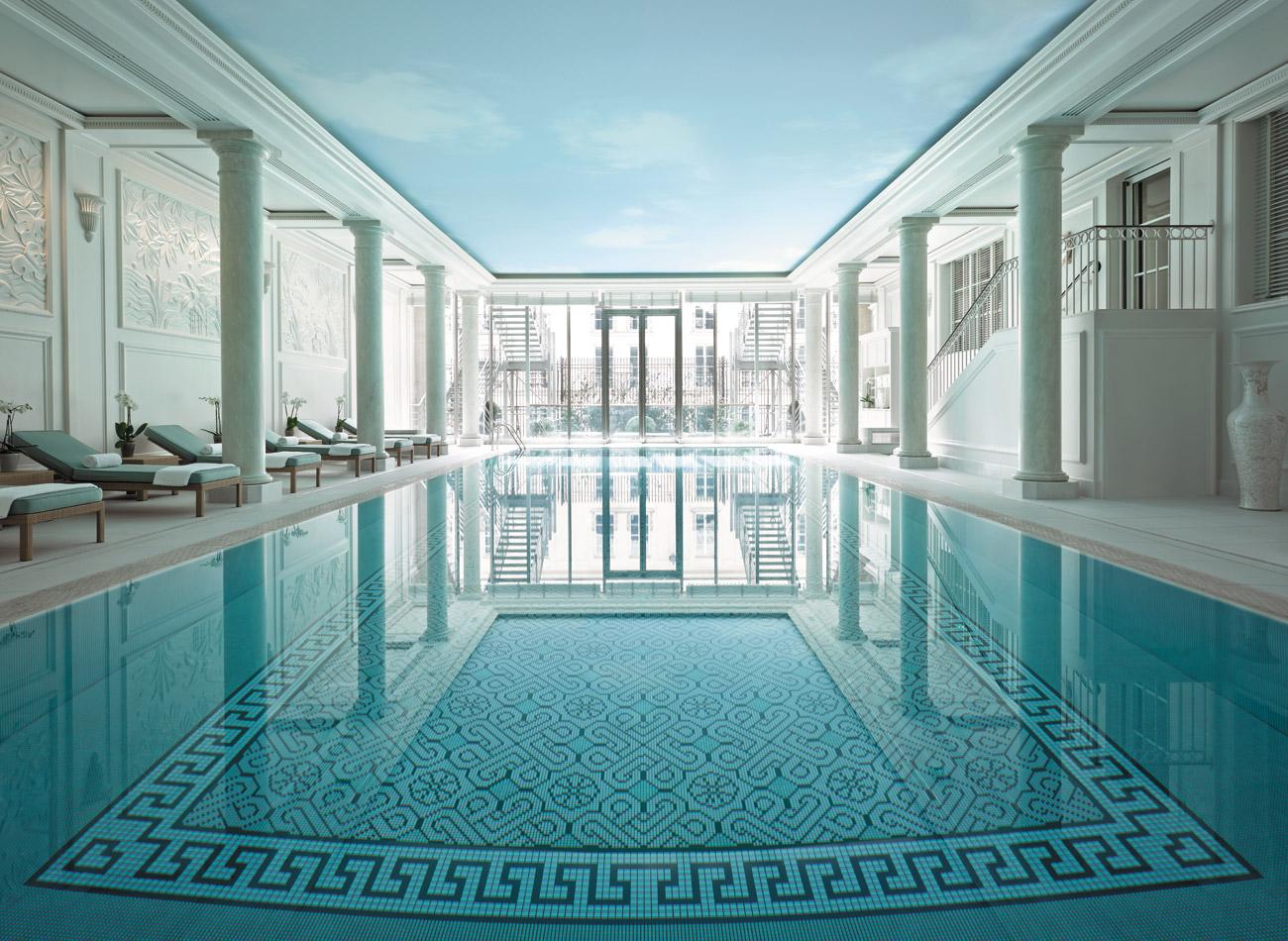 main-piscines-cobertes