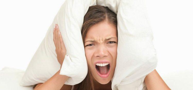 Idees per aïllar el soroll d'una llar