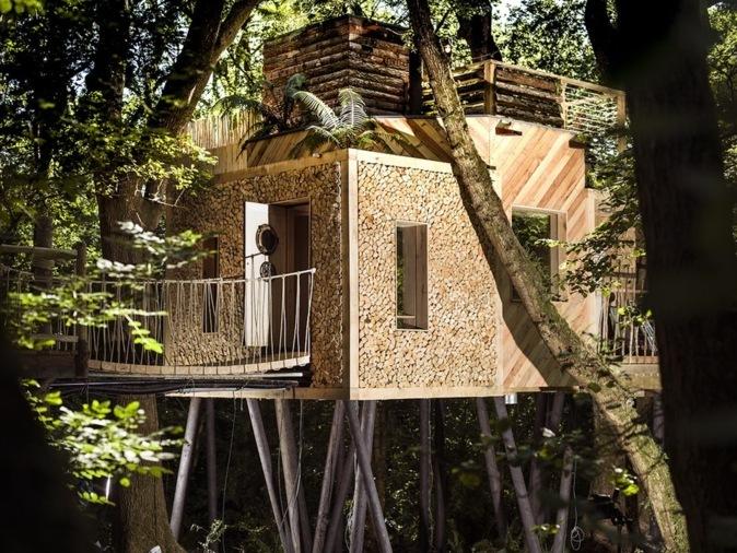 una casa en un arbre