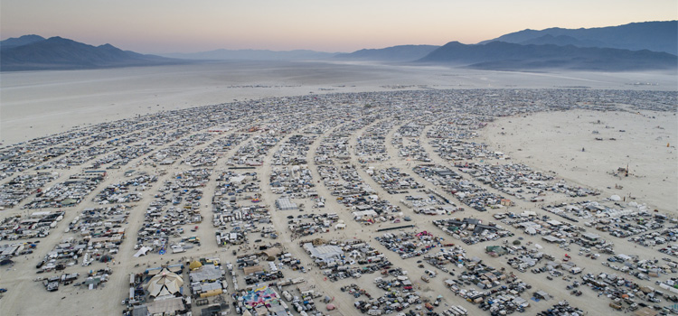 "Black Rock City. Una ciutat ""efímera"" durant el Festival Burning Man"